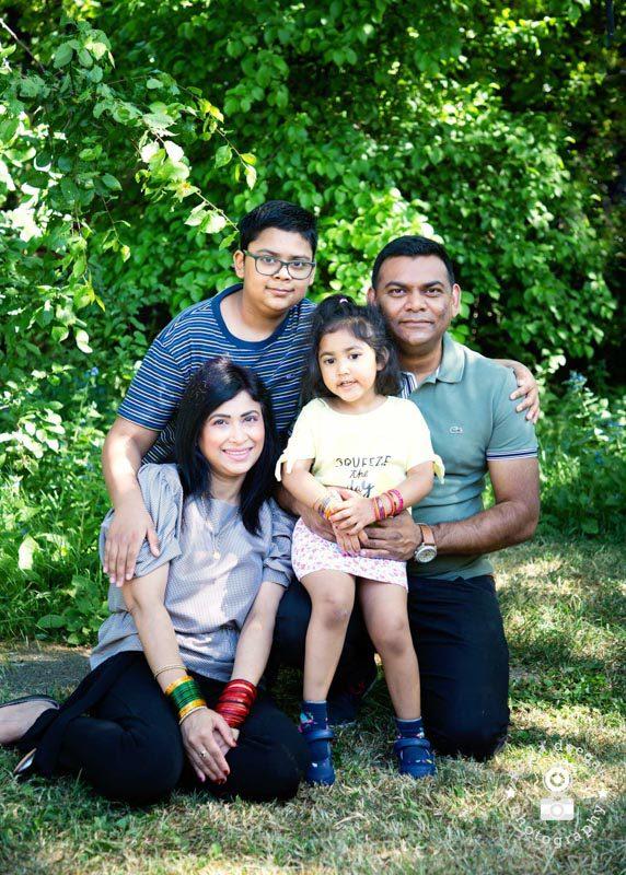 family-doorstep-portraits-epsom